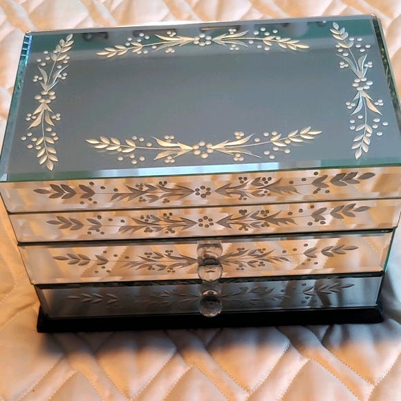 Etched Mirrored Jewelry Box